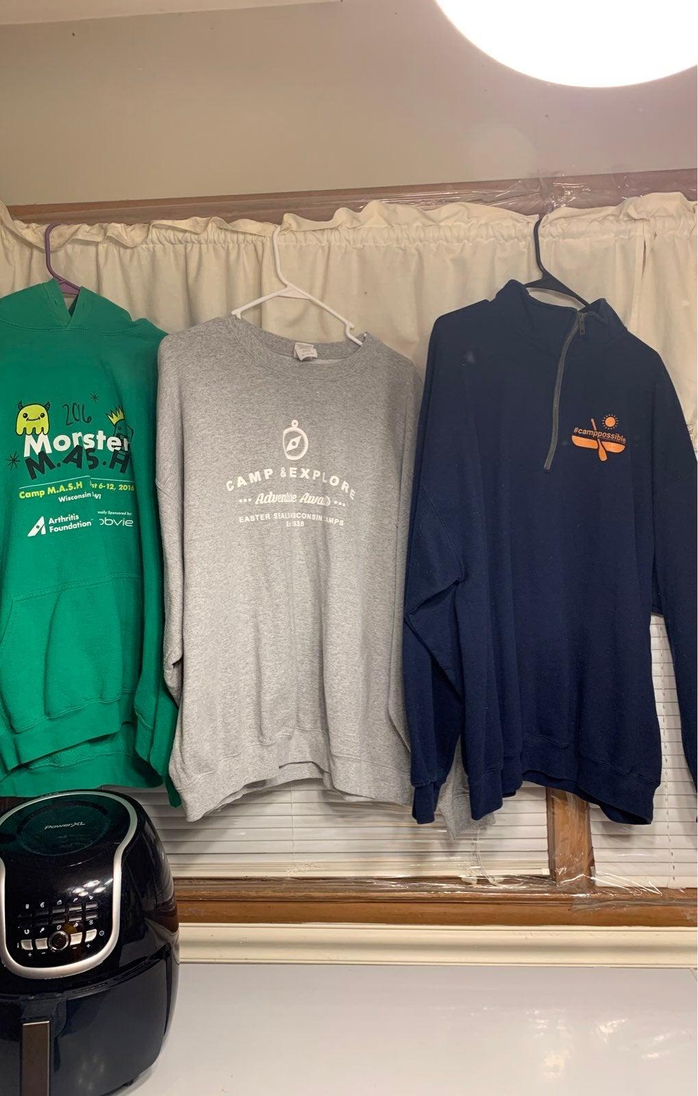 3 SweatShirts Adult-XXL
