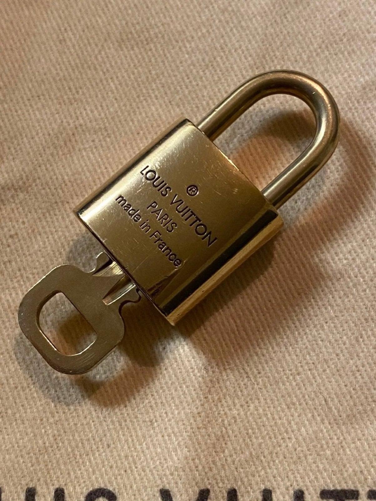 Louis vuitton padlock