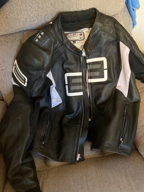 Shift Motorcycle Jacket (Leather)