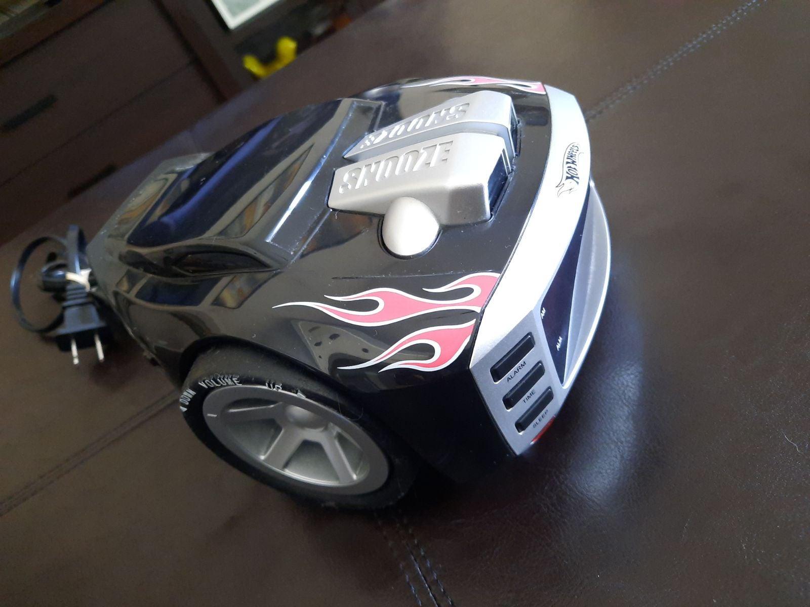 Hot Wheels SnoreSlammer AM/FM Alarm Cloc
