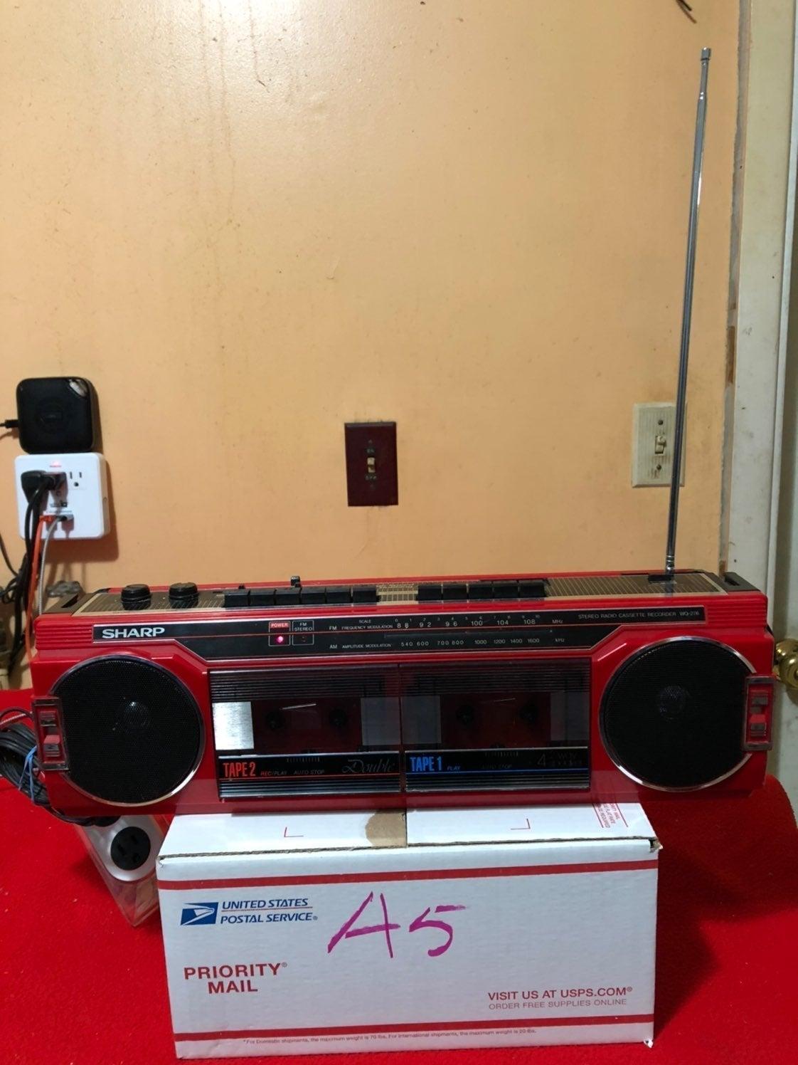 SHARP  am/fm radio and cassettes player