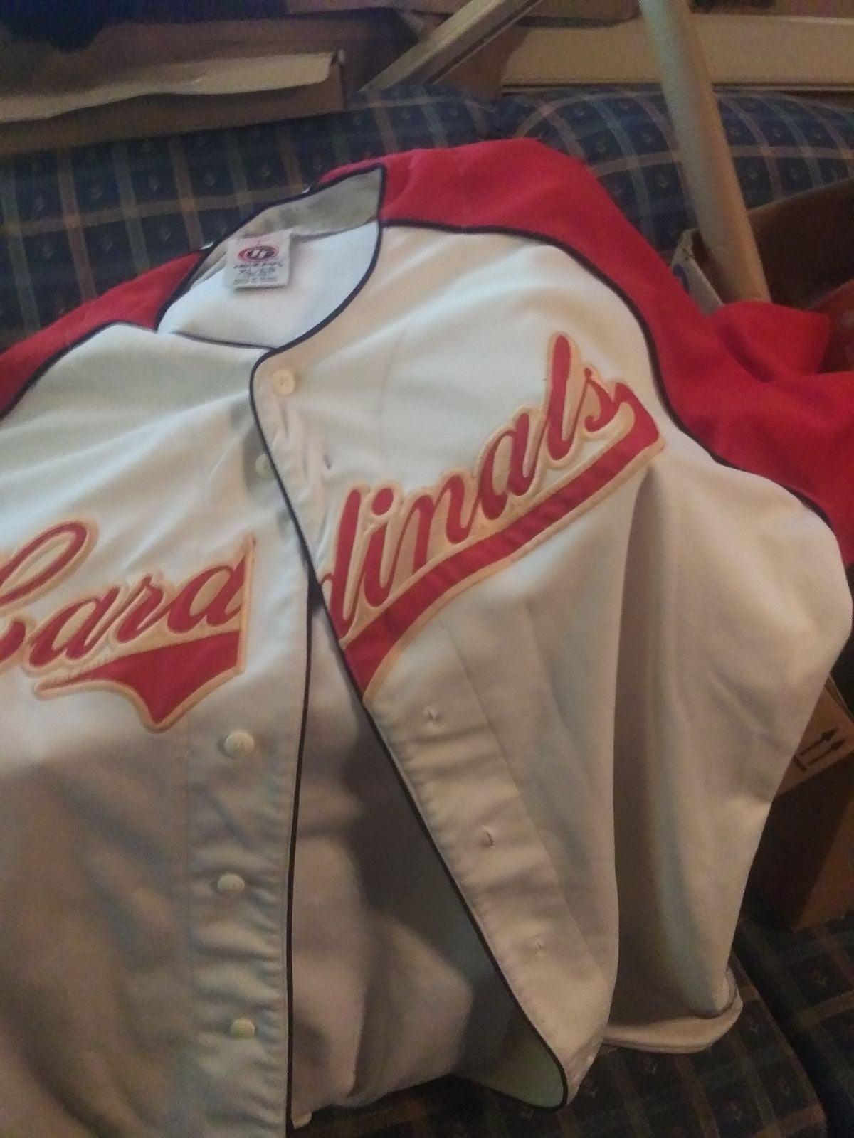 XL men's cardinals out fit