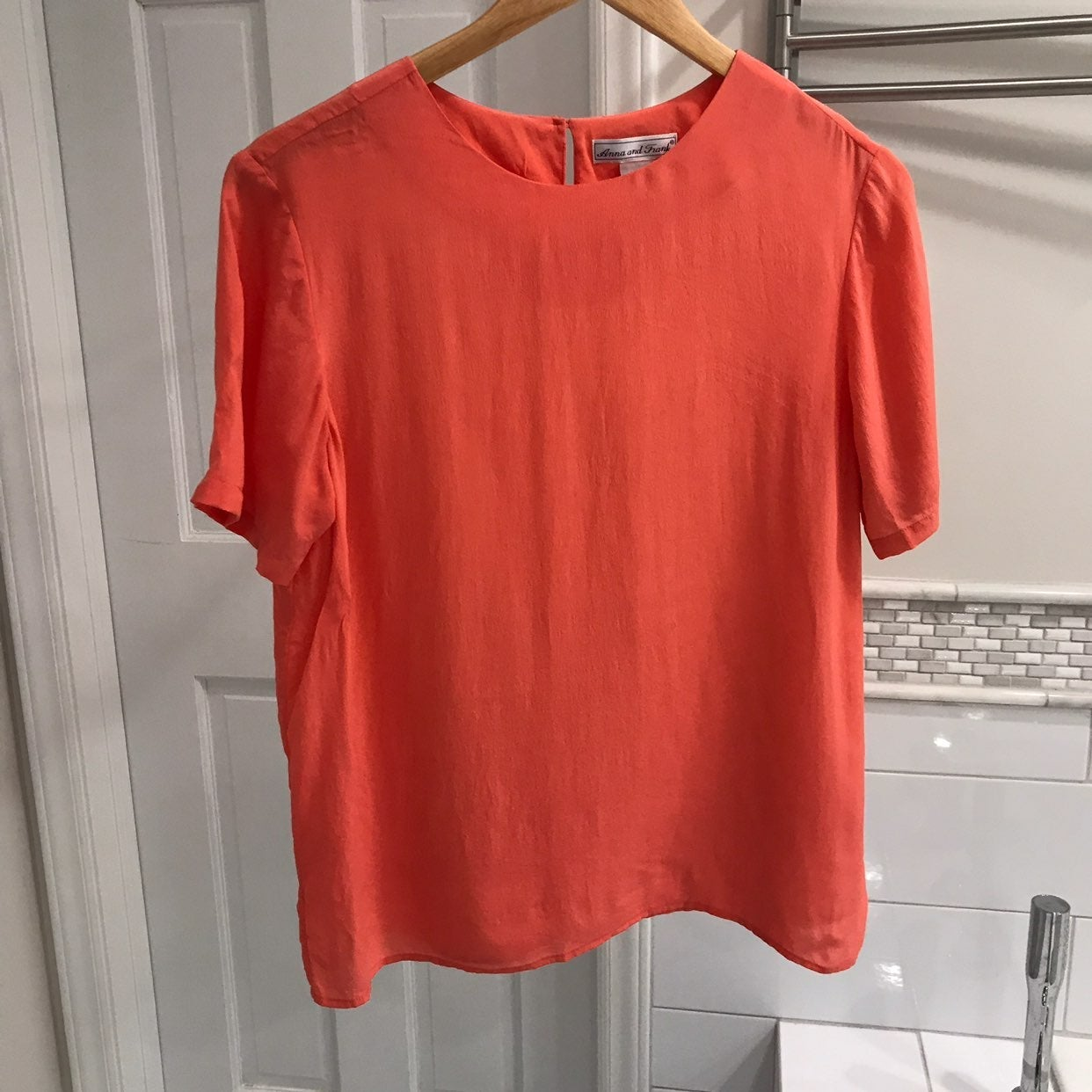Anna and Frank Silk Coral Top Sz M