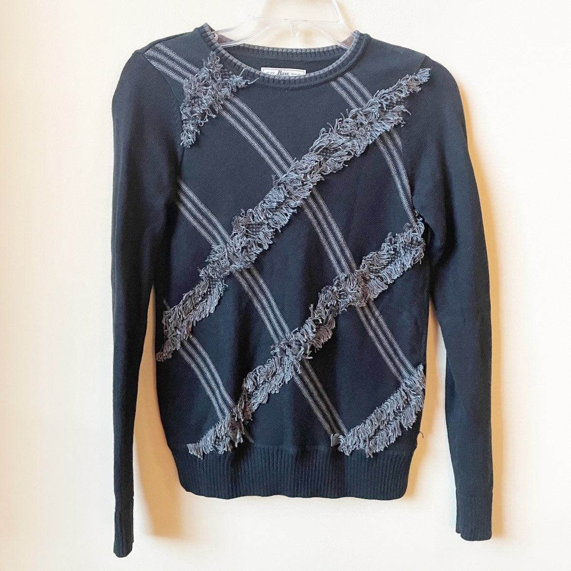 G.H. Bass & Co fringe sweater size small