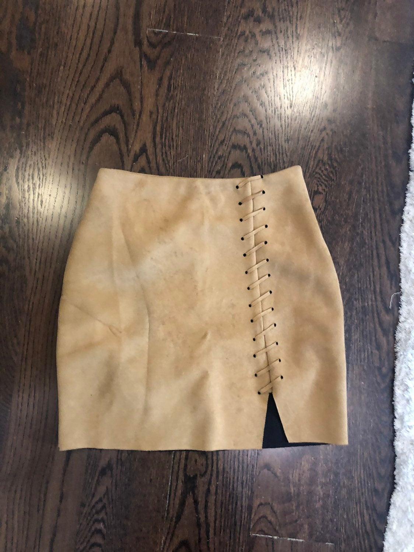 Missguided beige skirt