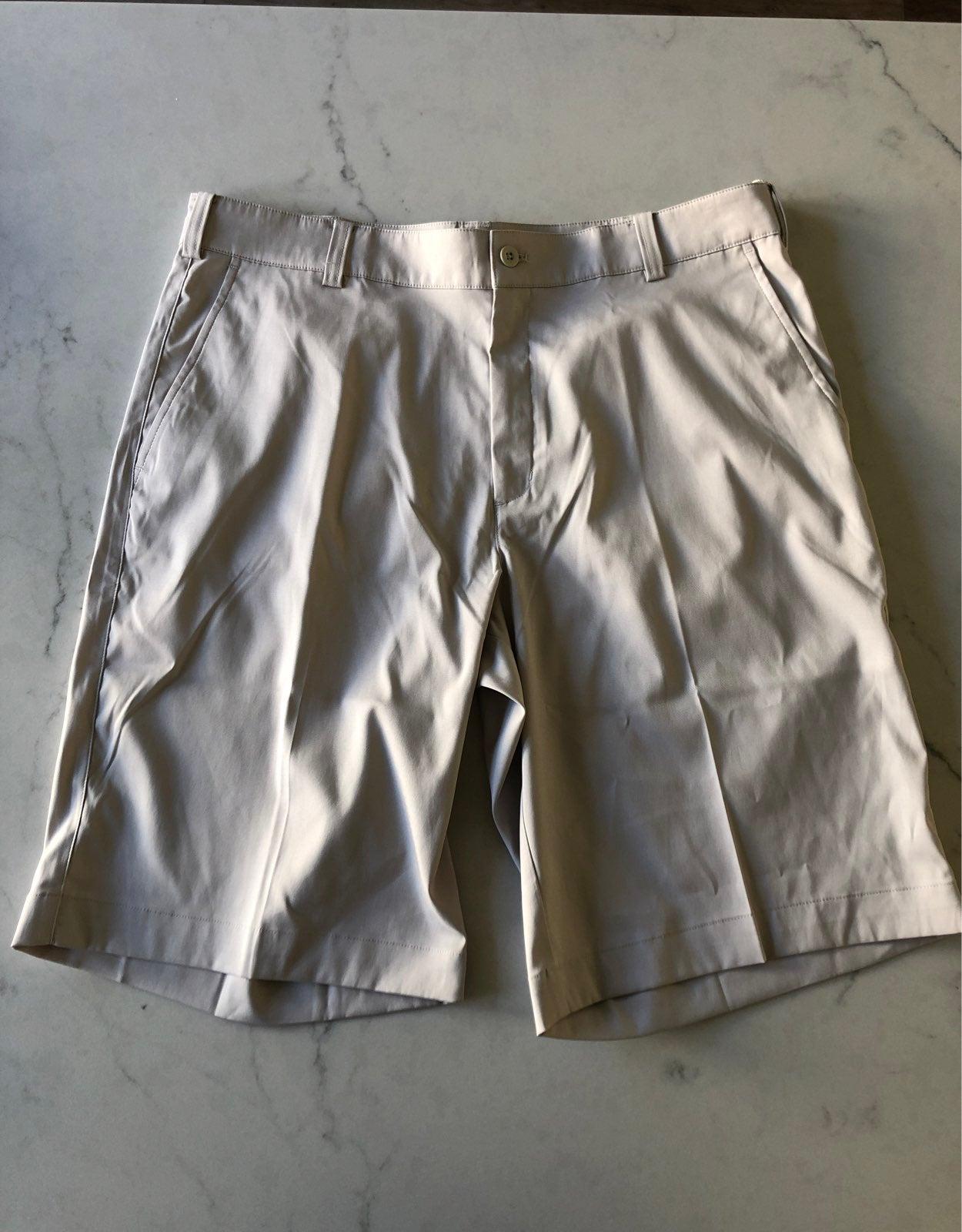 Men's Nike Golf Shorts Size 34