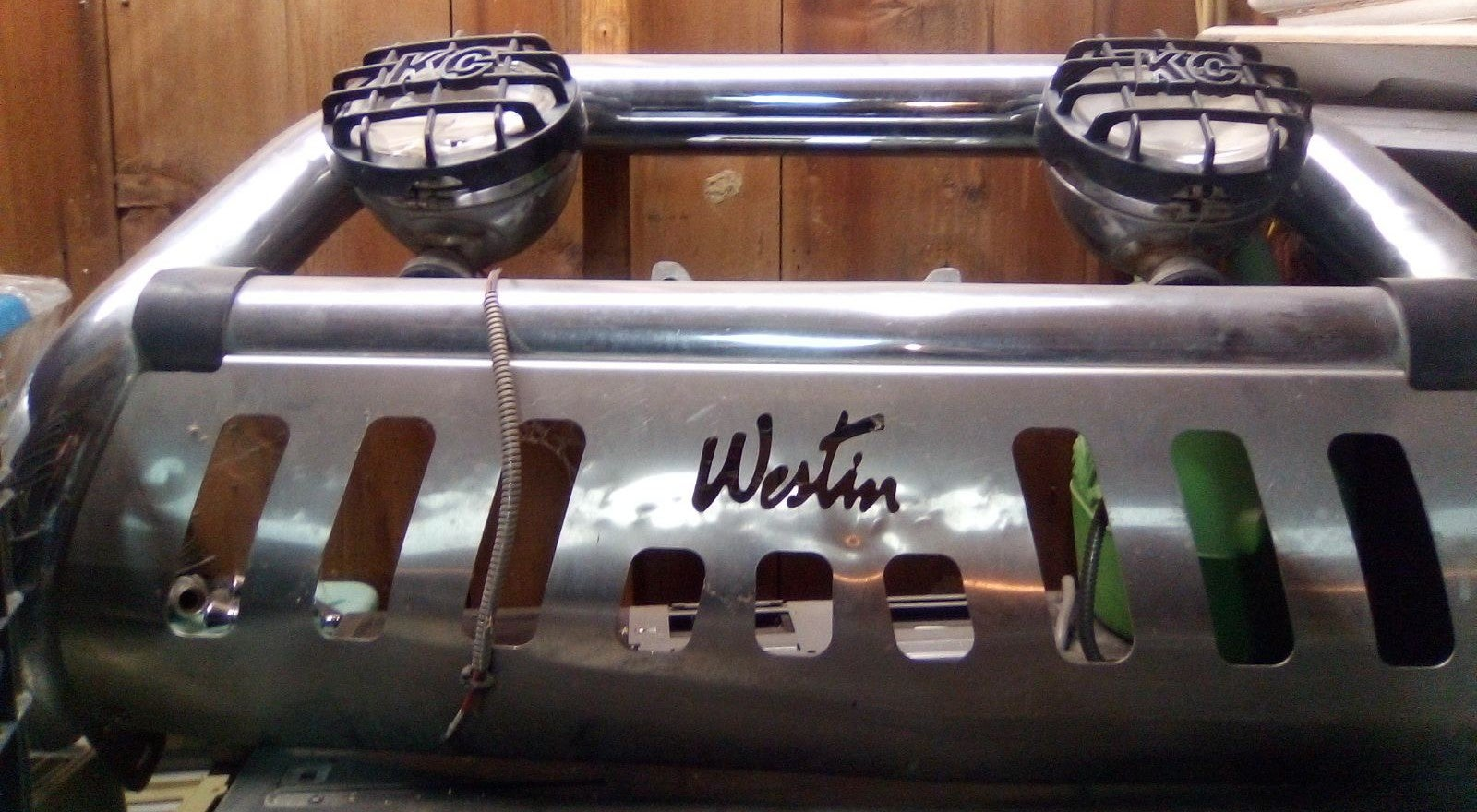 WESTIN FRONT BUMPER WITH KC LIGHTS