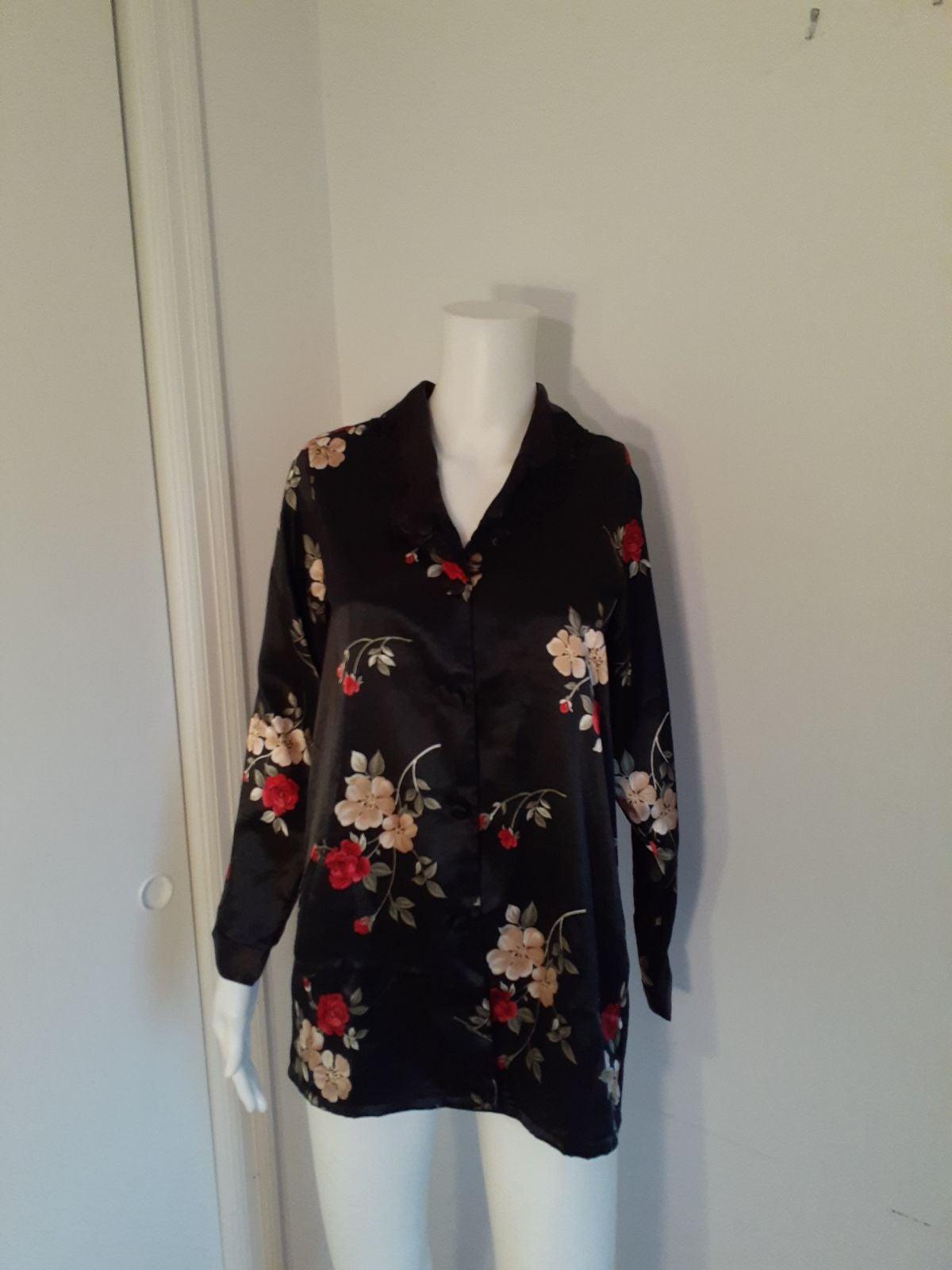 4/6 Adonna black floral satin pajama top