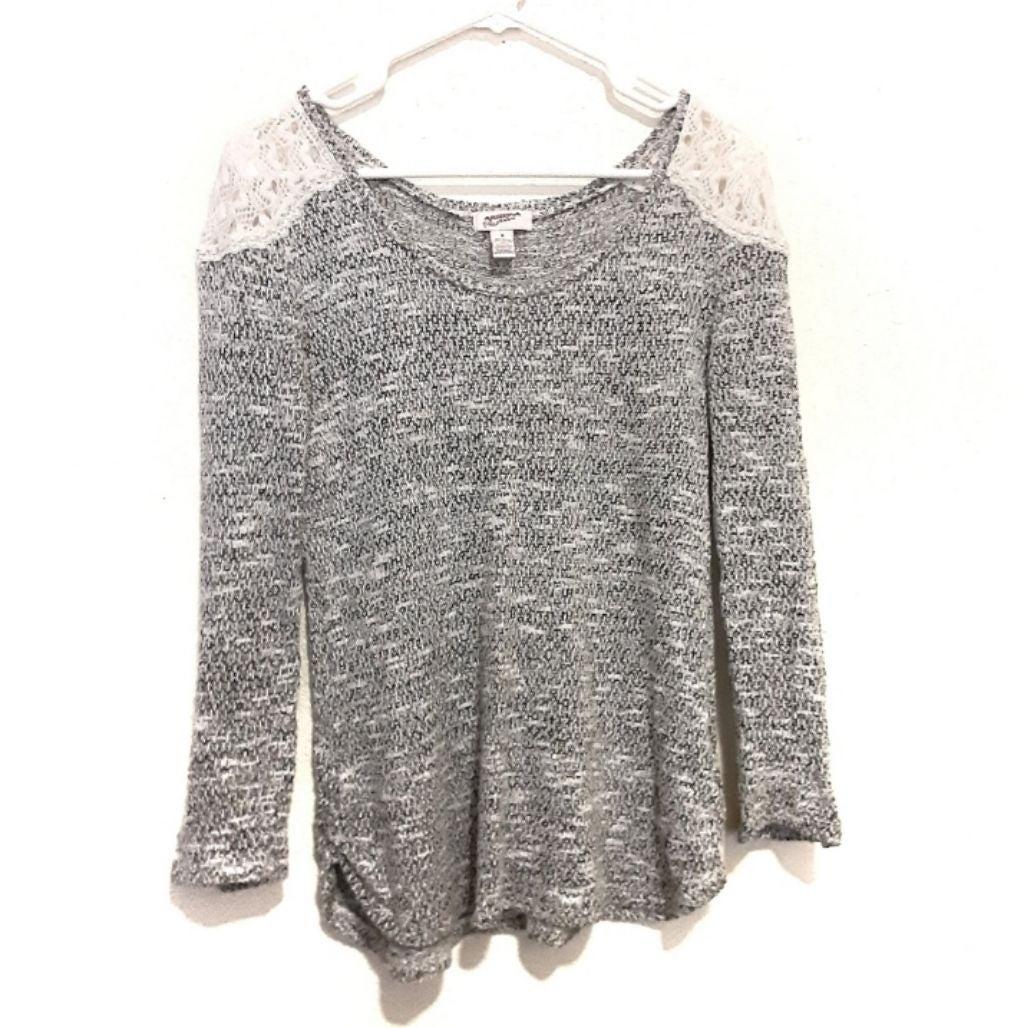 Arizona Jeans Knit Shoulders Top Size M