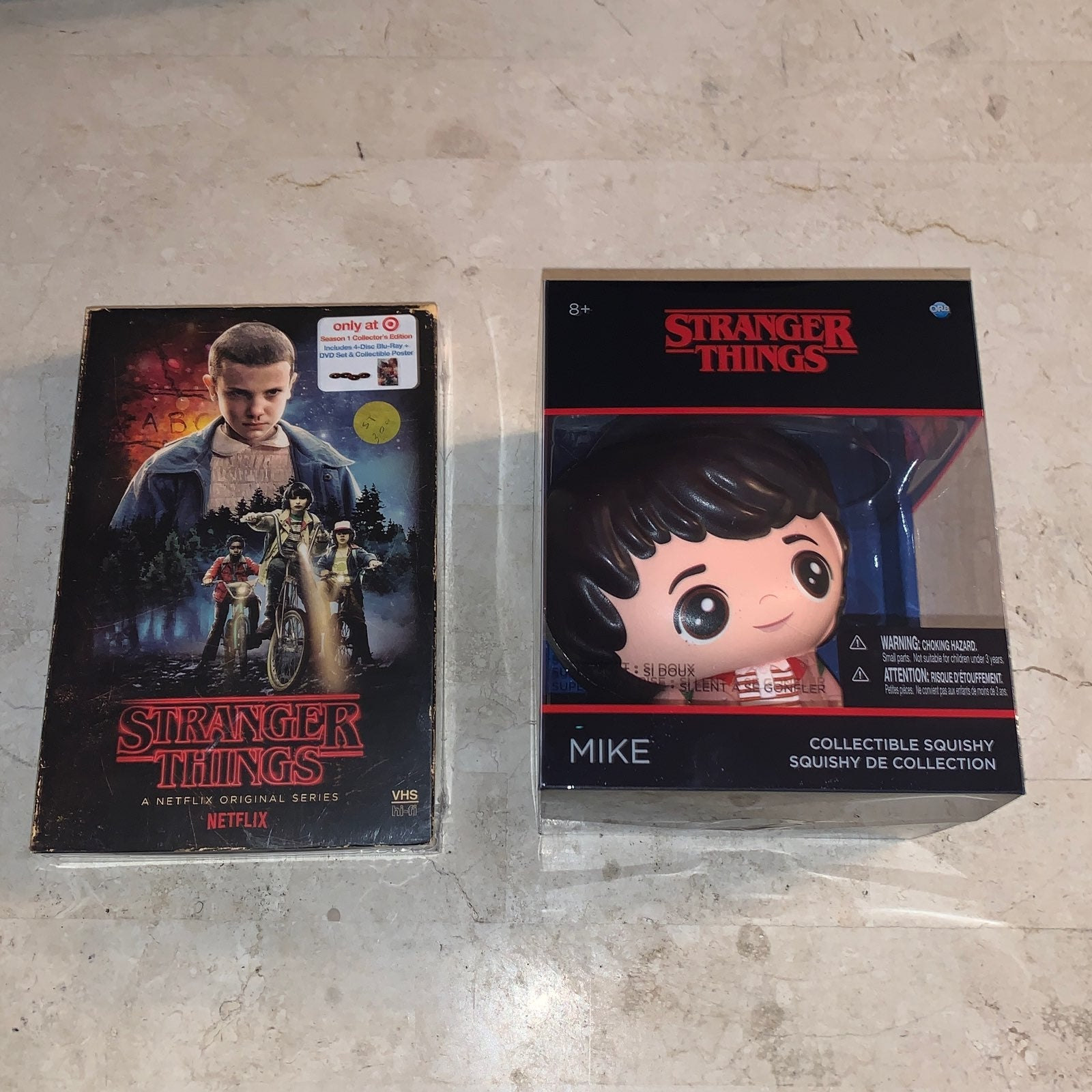 Stranger Things S1 with MIKE Collectible