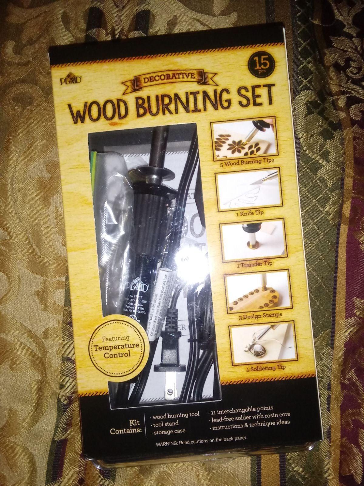 Crafting Wood burning kit by Plaid