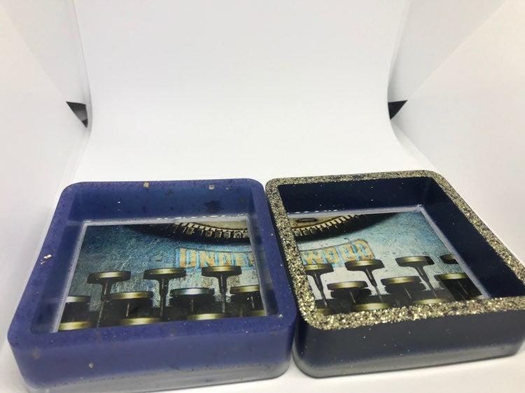 Set of typewriter trays