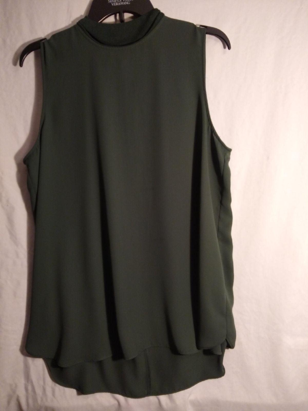 Simply Vera large sleeveless blouse