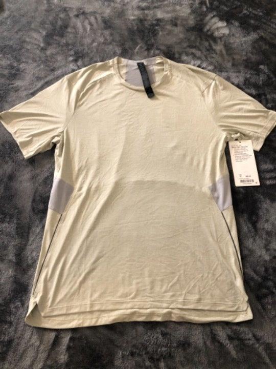 Lululemon Men's Gym Athletic Shirt Med