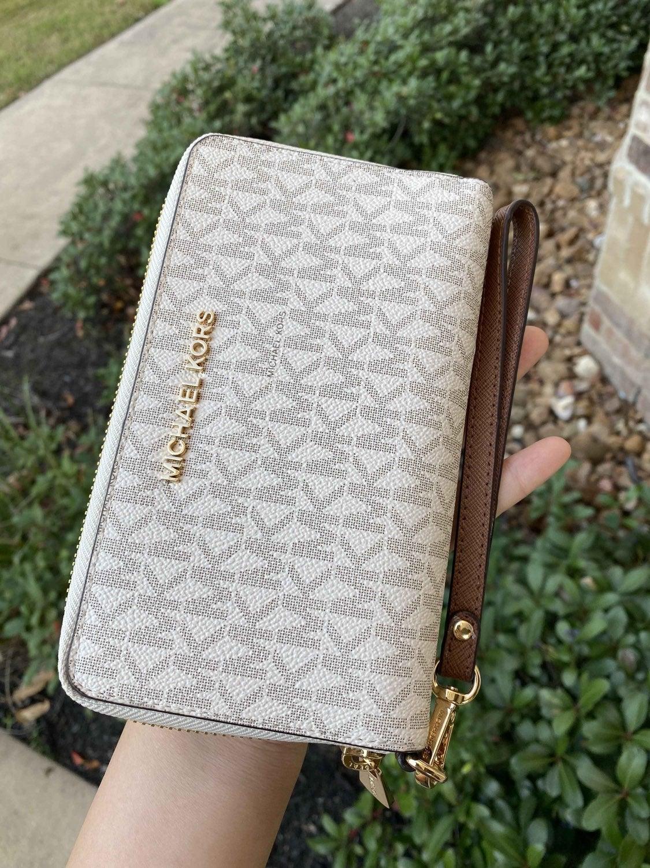 MK LG Zip Phone Case Wristlet Vanilla