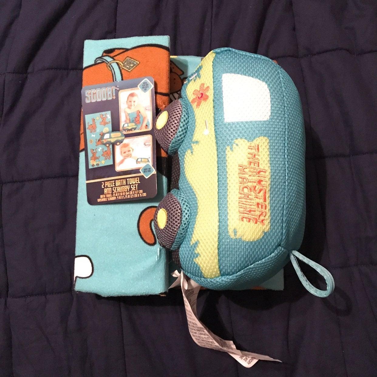 Scooby Doo Bath Towel & Scrubby Tub Toy