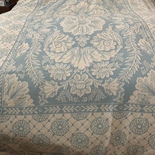 Vintage Williamsburg twin bedspread