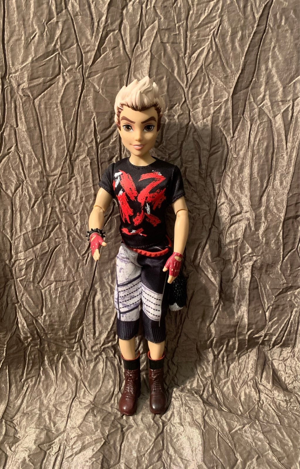 Disney descendants dolls Carlos