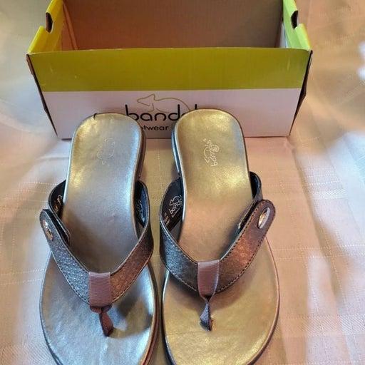 Bandals Footwear Sz 6 Silver Sandals NIB