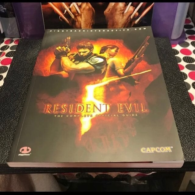 Resident Evil 5: The Complete Official G