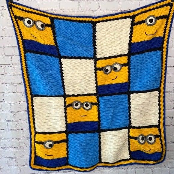 Despicable Me Minion square crochet