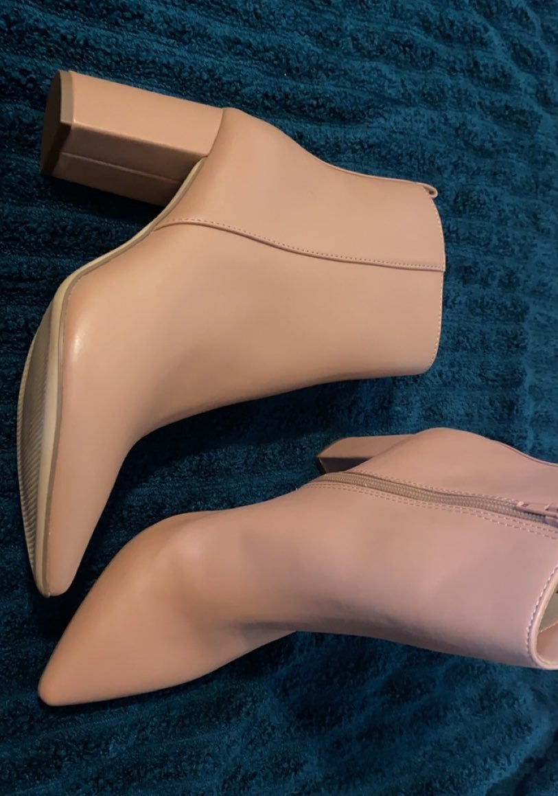 Women Nude Boots size 8.5