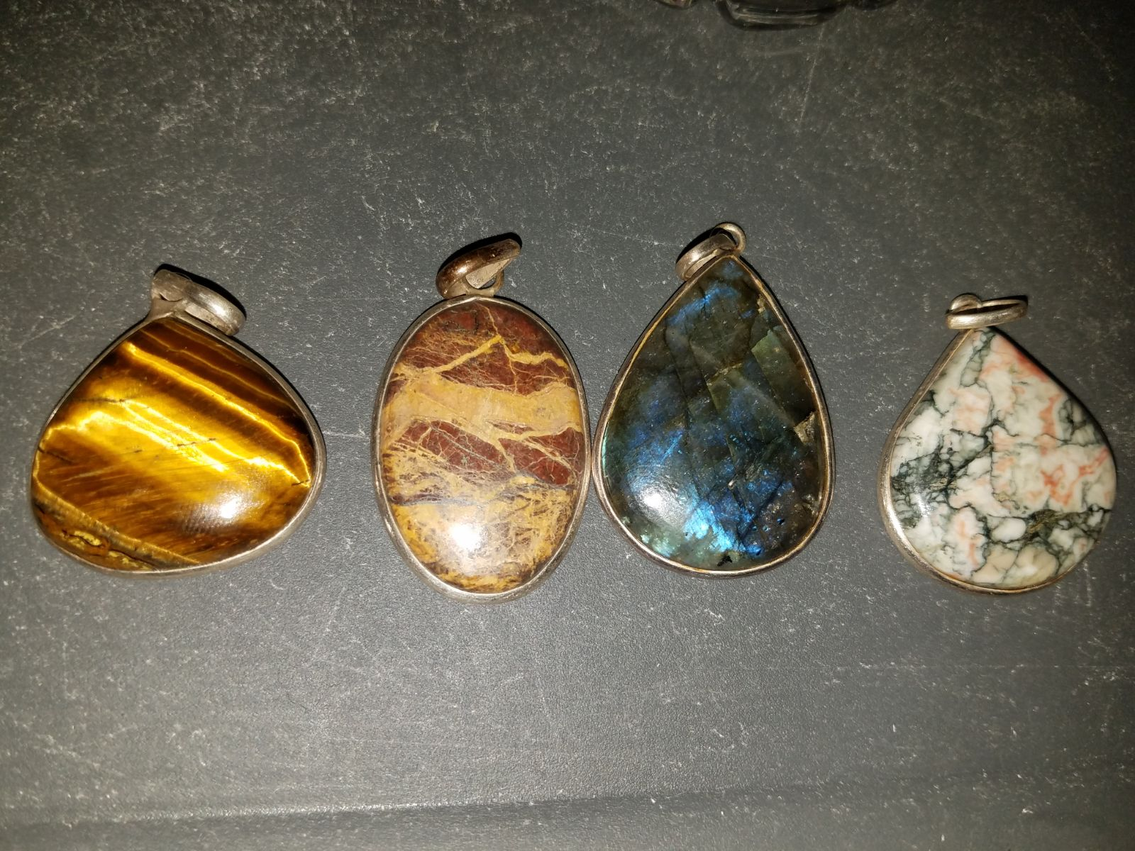 4 -925 natural stone silver pendants