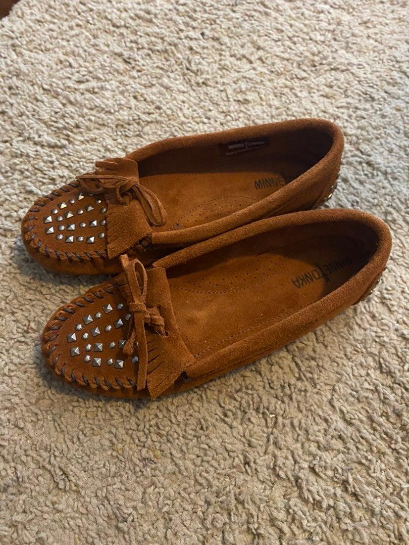 Minnetonka 362 Moccasin Brown Flats Shoe
