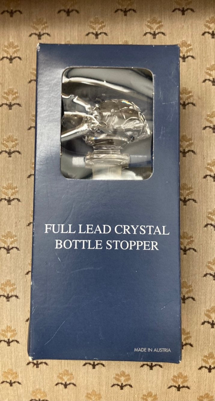 Towle Crystal Turtle Bottle Topper