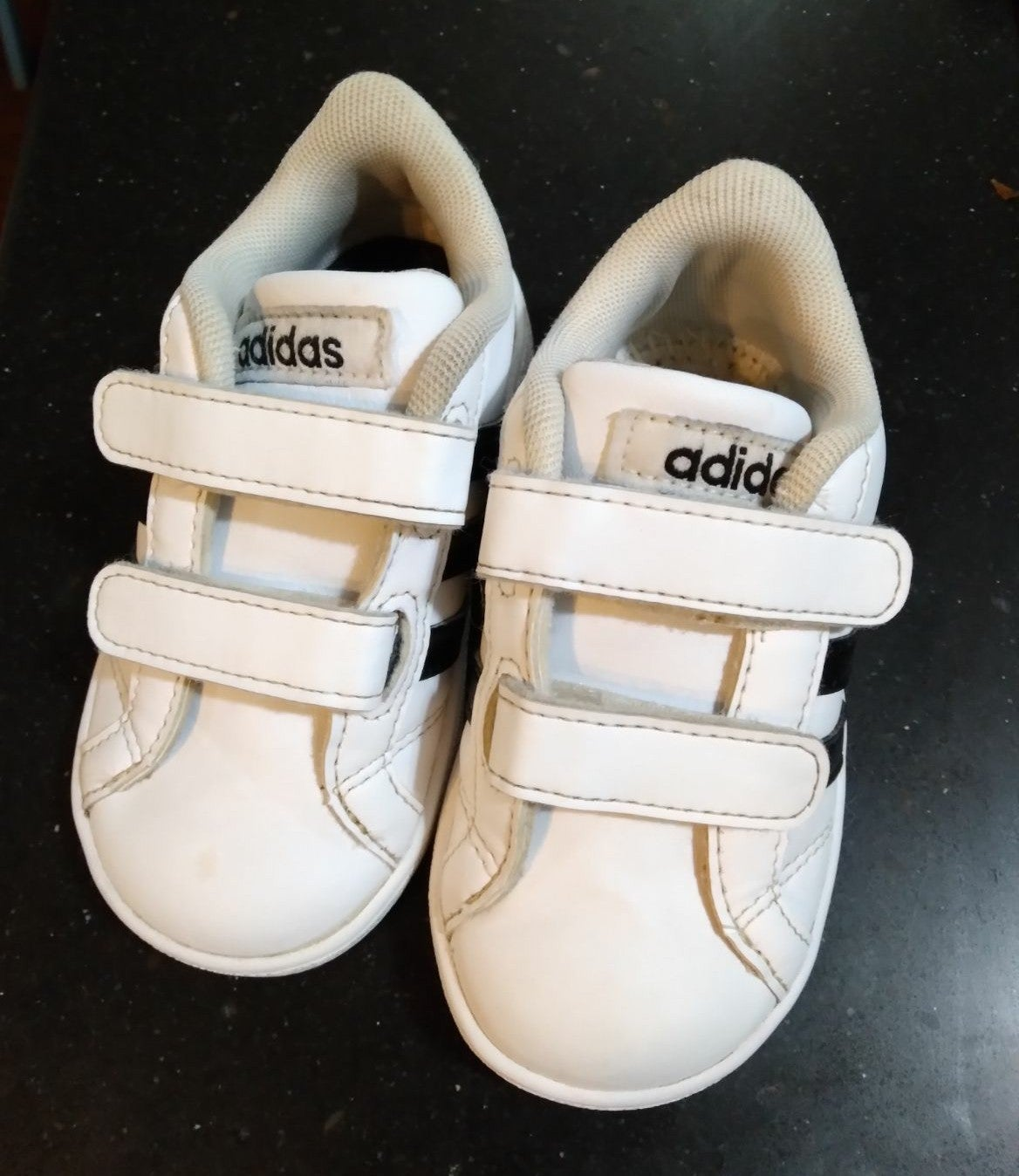 Adidas old school style sneakers
