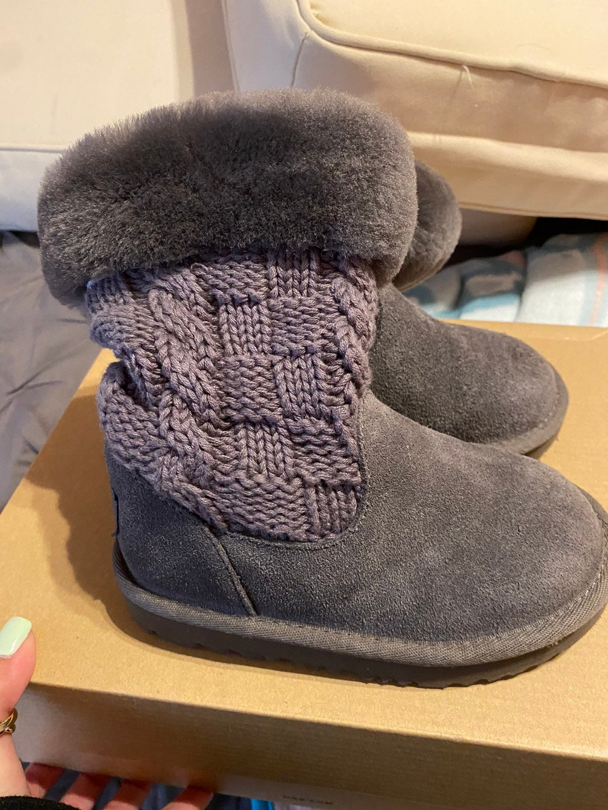 excellent toddler Uggs size 9