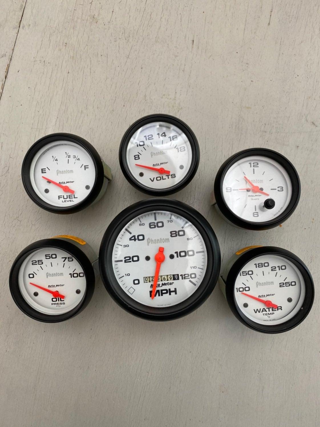 AutoMeter Phantom gauges