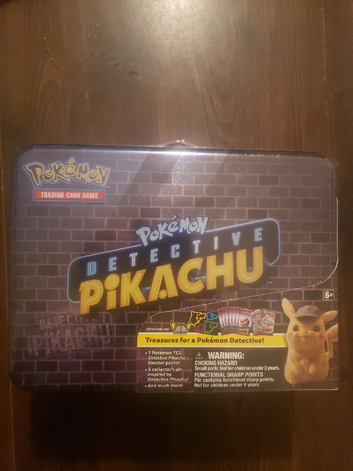 Detective Pikachu Collector Tin w 7 pack