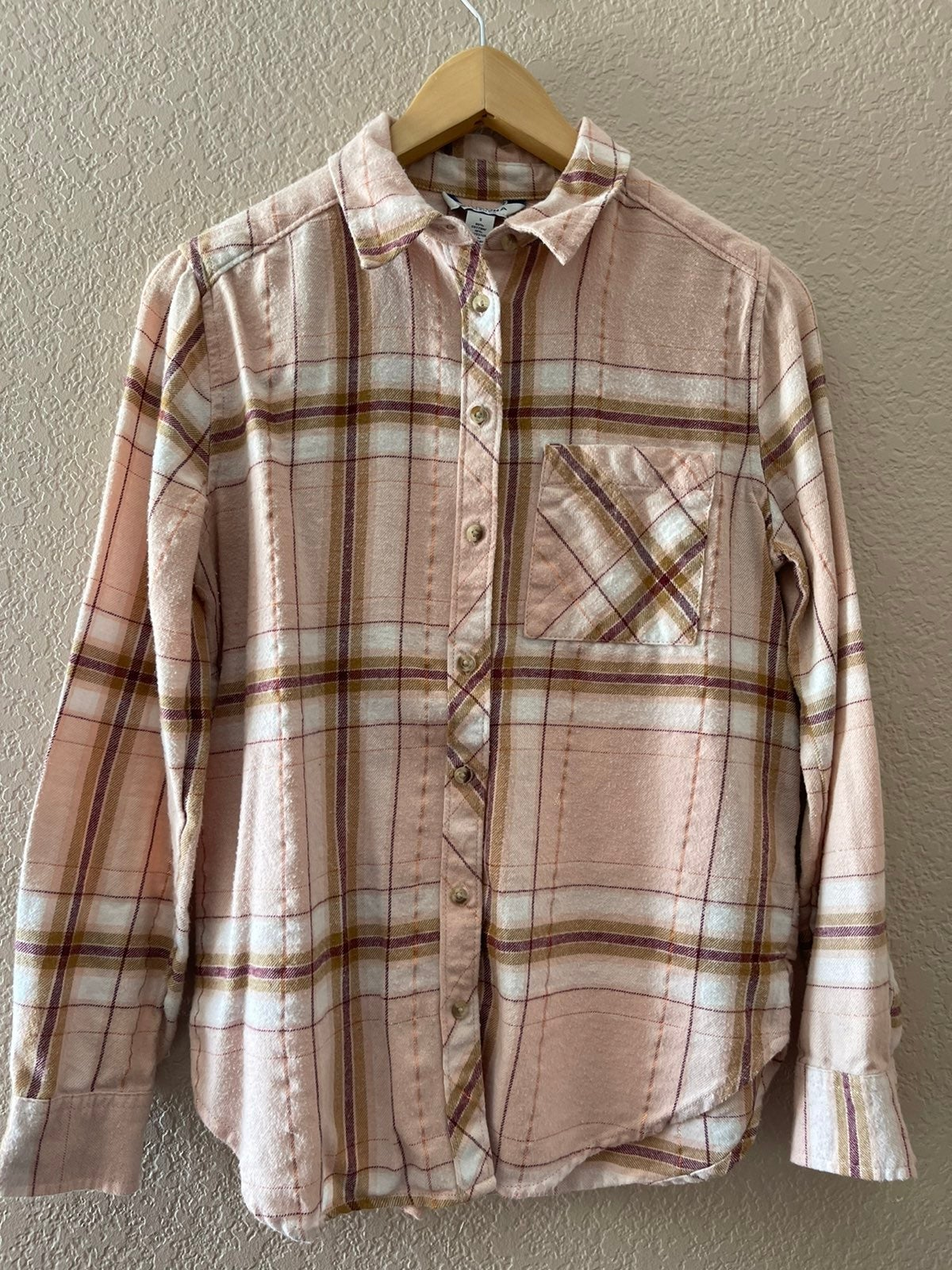 Button Down Shirt Pink Size Small