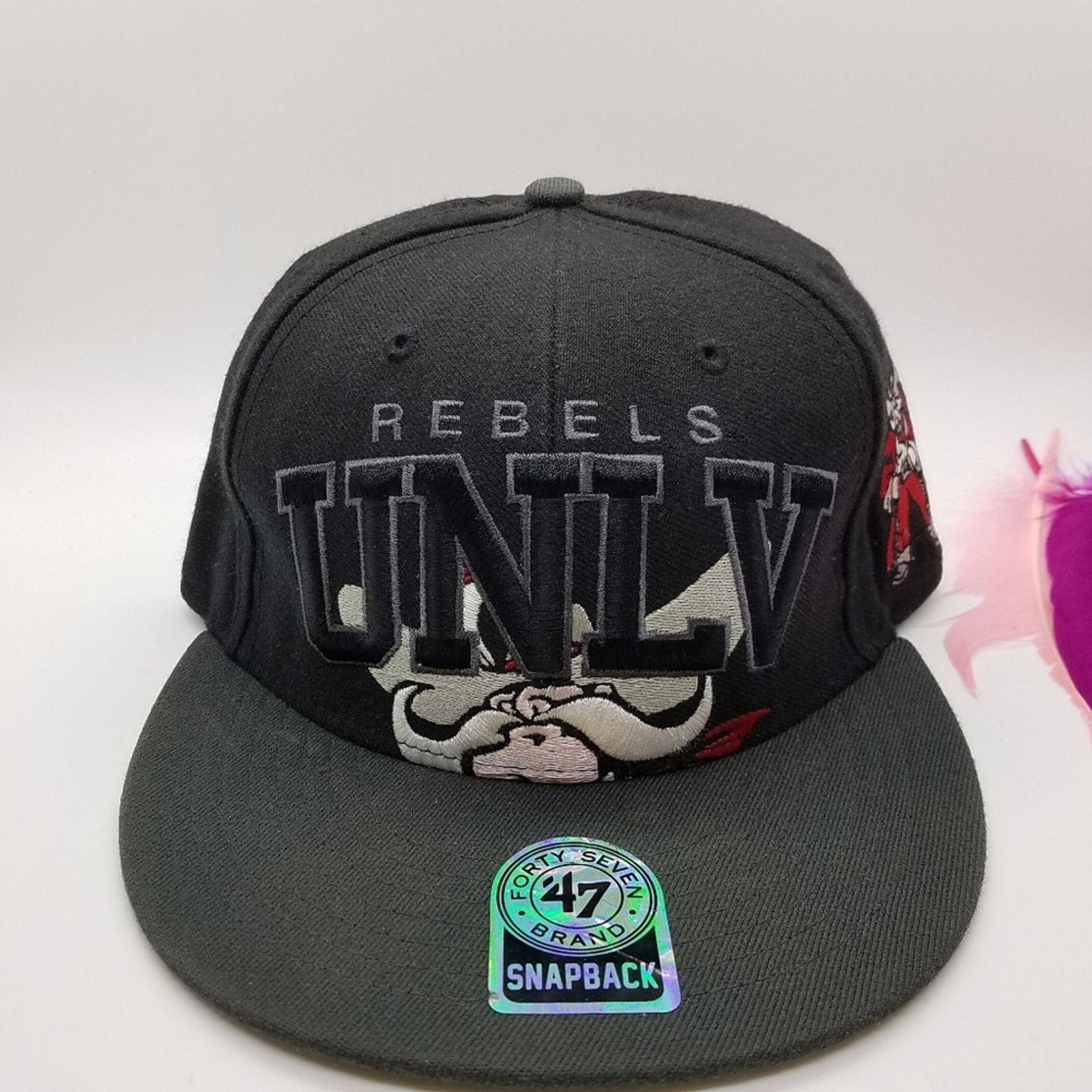 BRAND 47 UNLV NCAA Rebels Snap Back