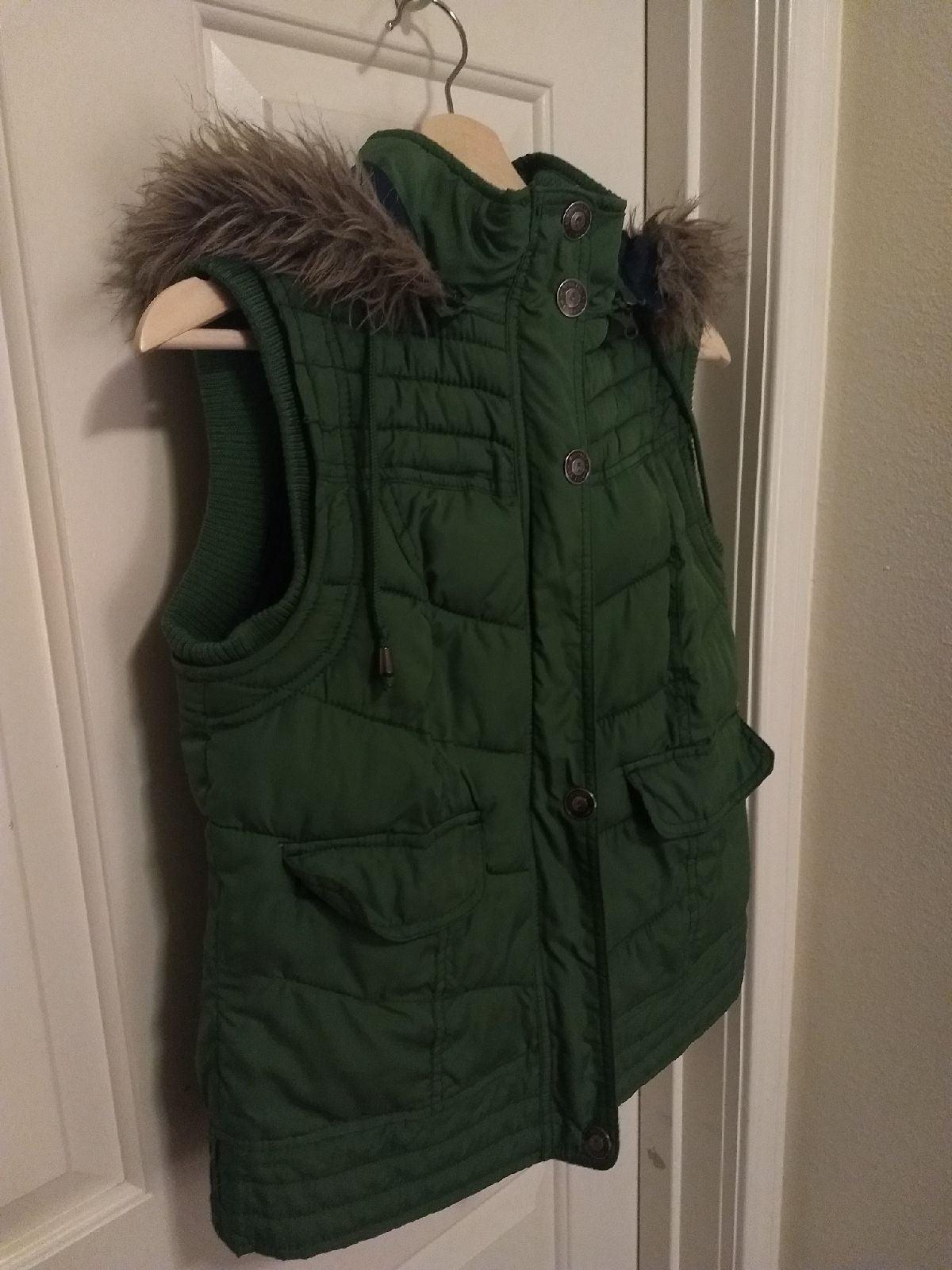 Puffy Vest, Faux fur Hood, emerald Green