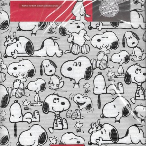 """Snoopy PEVA Flannel Back Tablecloth 70"""""""