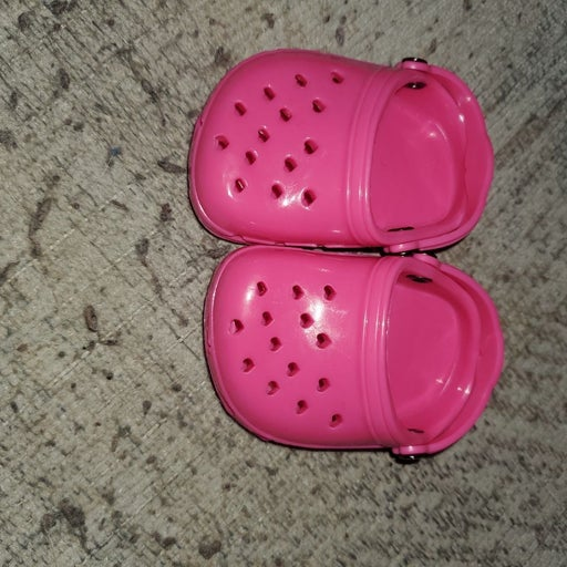 tiny pink doll crocs