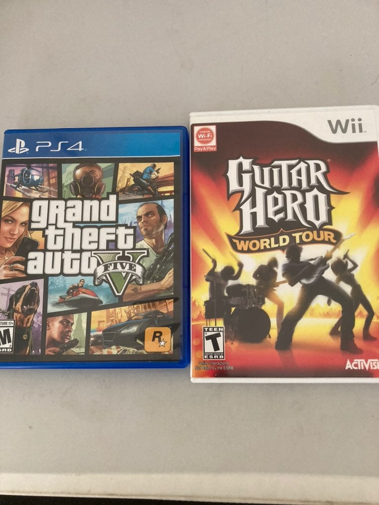 GTA 5 PS4 & Guitar Hero World Tour Wii