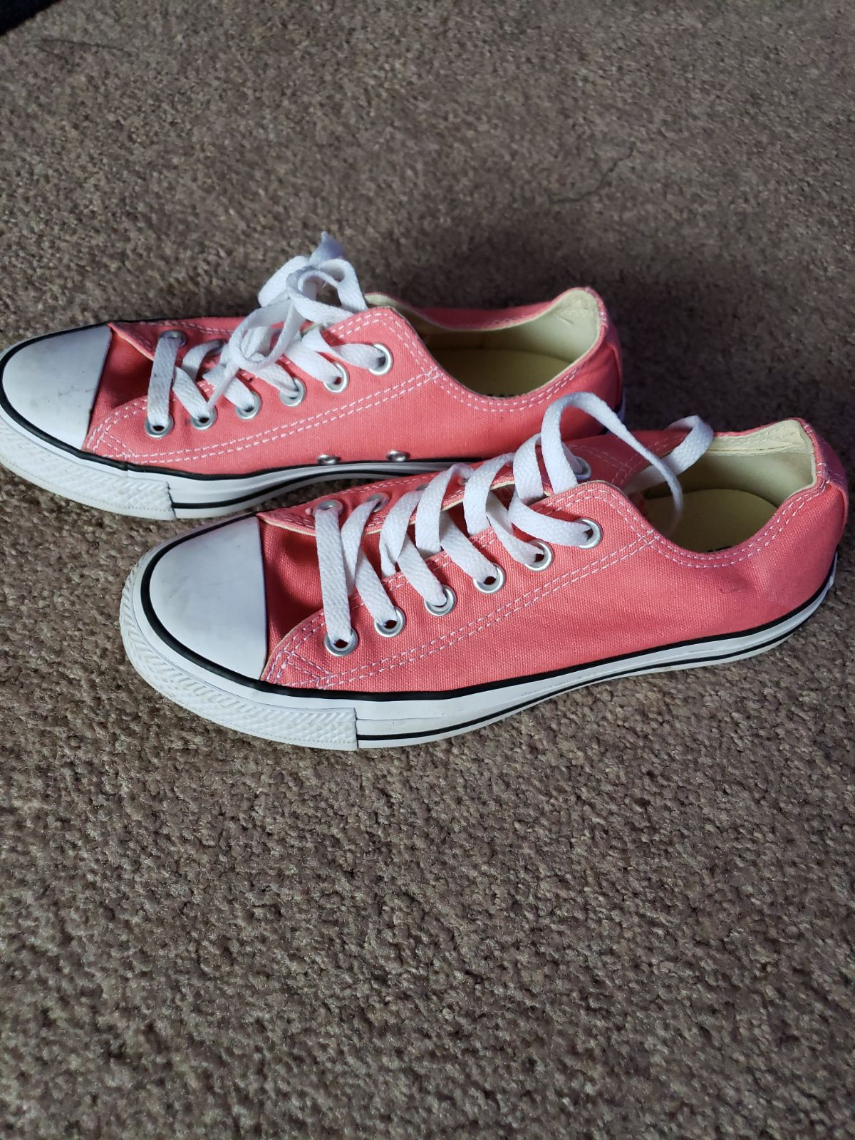 Converse size 7 pink Canvas