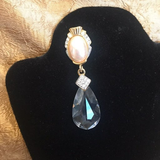 Signed Vtg CRAFT faux Pearl Dangle Pin