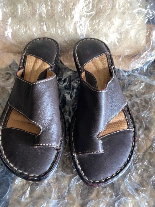 Born Toe Ring Sandals   Mercari