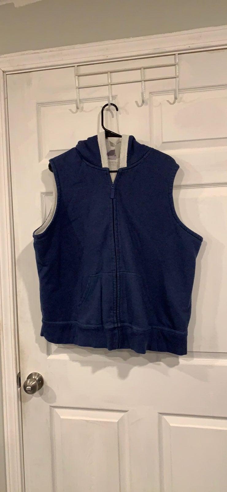 Laura Scott Blue vest With White Fleece