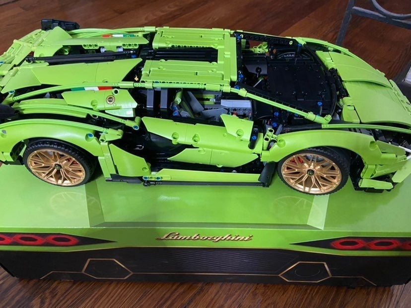 Lego technic Lamborghini 42115