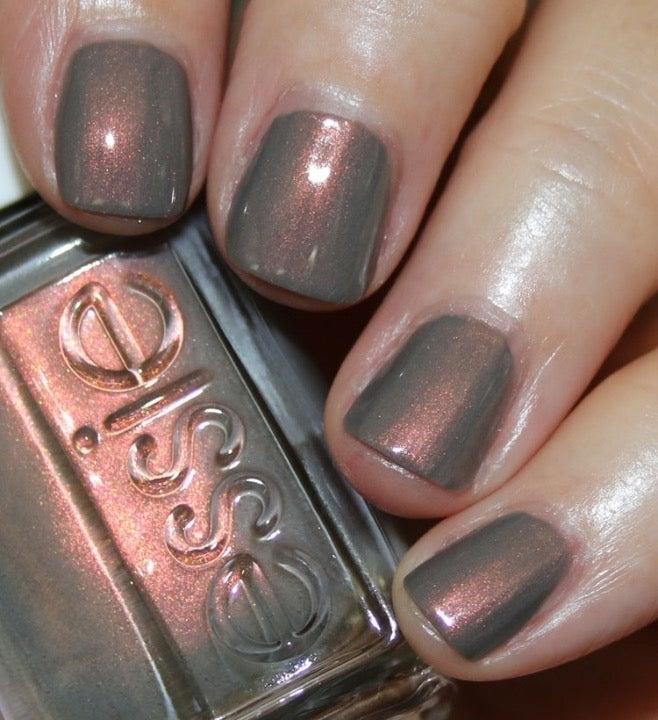 Essie nail polish social-lights ⭐