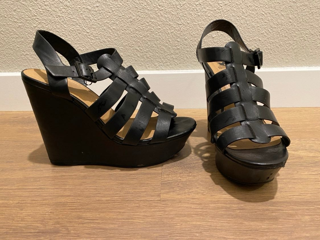 size 8.5 wedge shoes