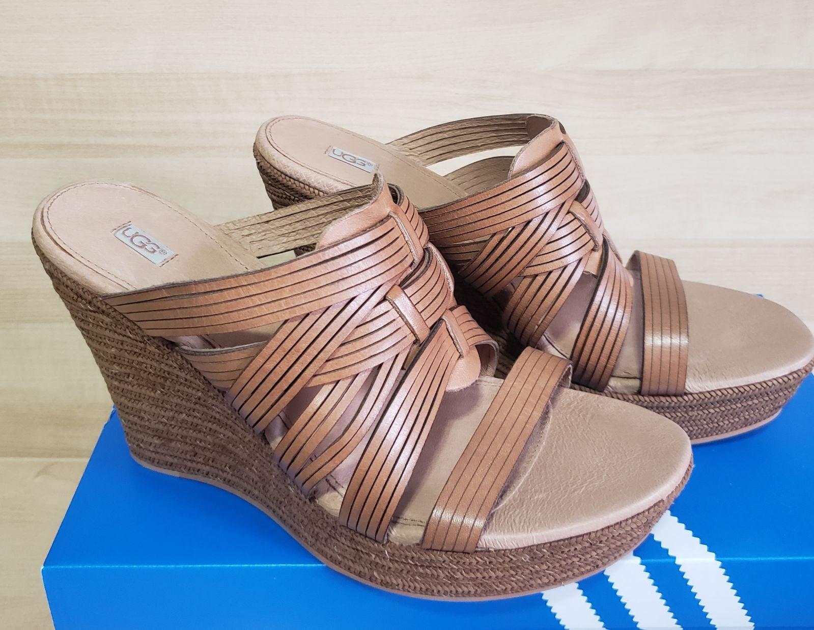 UGG Wedge Sandals sz 9.5 Leather Comfort