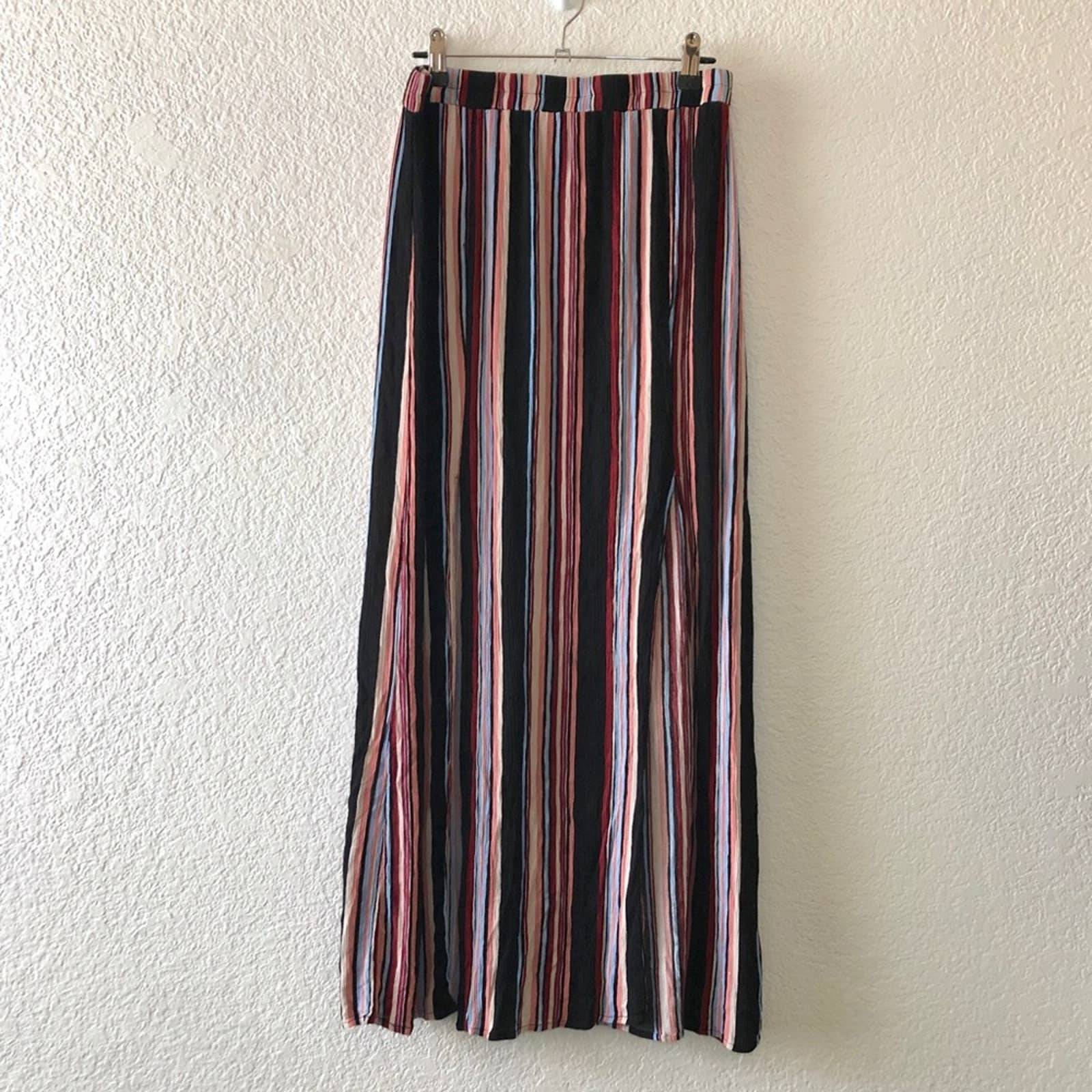 F21 • Multicolored maxi skirt with Slits