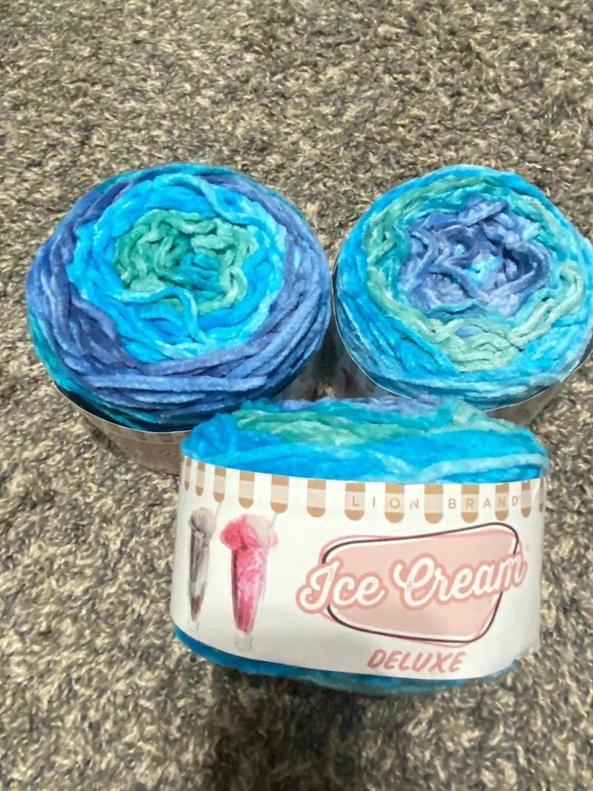 "Icecream velvet yarn ""Kincaid"" 5 total"