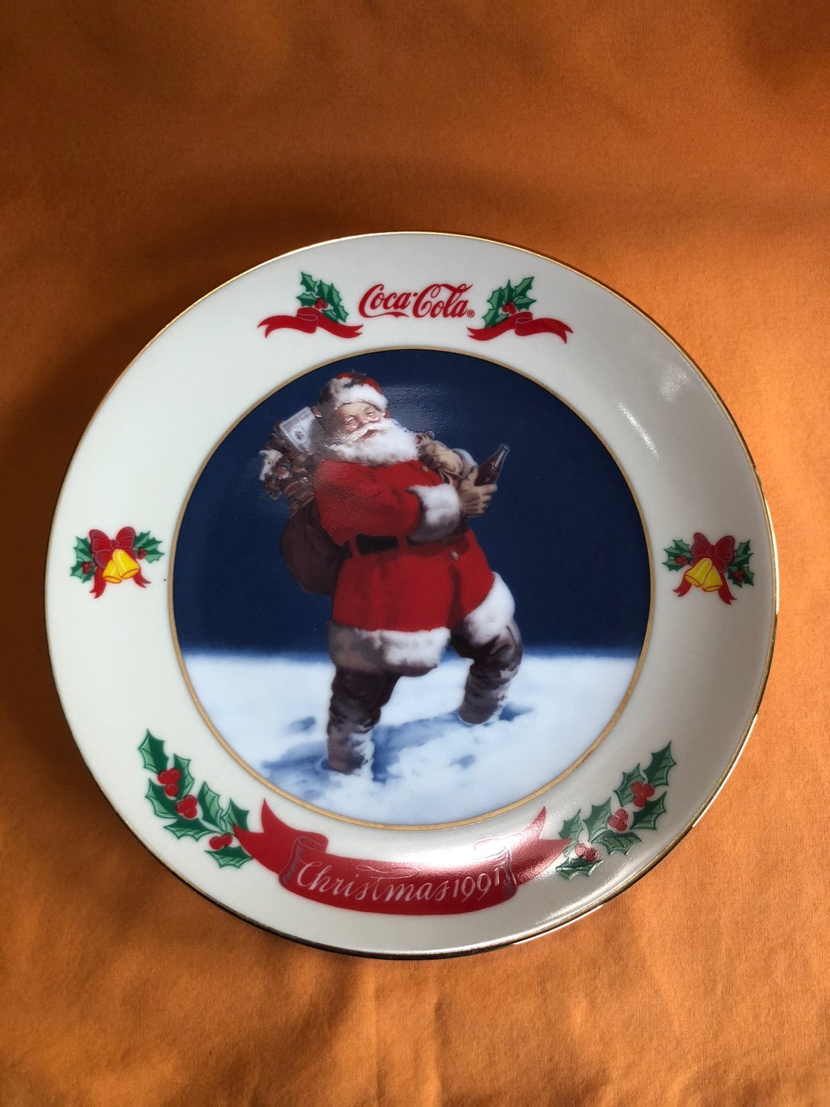 Coca Cola Christmas Plate 1991